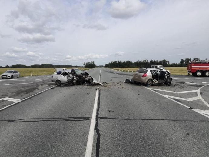 Лобовое столкновение на трассе Иртыш в Татарском районе, двое погибших