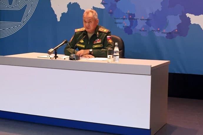 Министру обороны Сергею Шойгу в Новосибирске показали «Охотника»