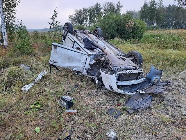 Лексус перевернулся – водитель погиб в аварии на трассе в Чановском районе