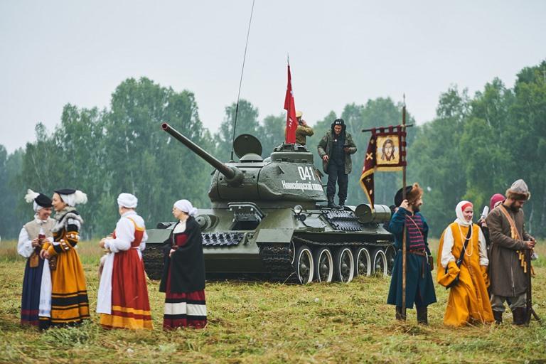 От римских легионеров до афганцев: фестиваль «Сибирский огонь» впервые прошел без зрителей