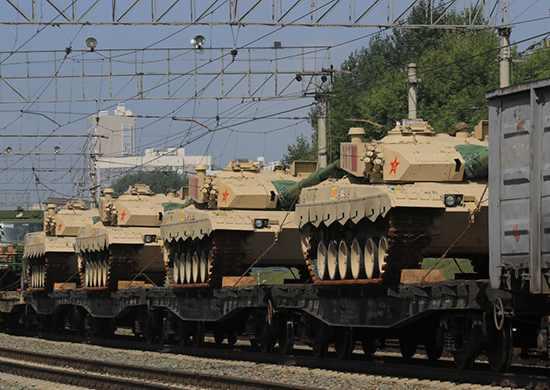 Китайские танки встретили «хлебом-солью» в Новосибирске