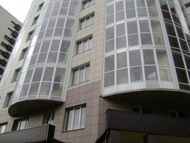 Сдан один из крупнейших долгостроев Новосибирска, 136 семей получили ключи от квартир