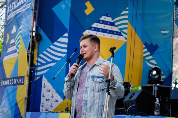 Школа юмористического жанра стендап во Владивостоке набирает желающих
