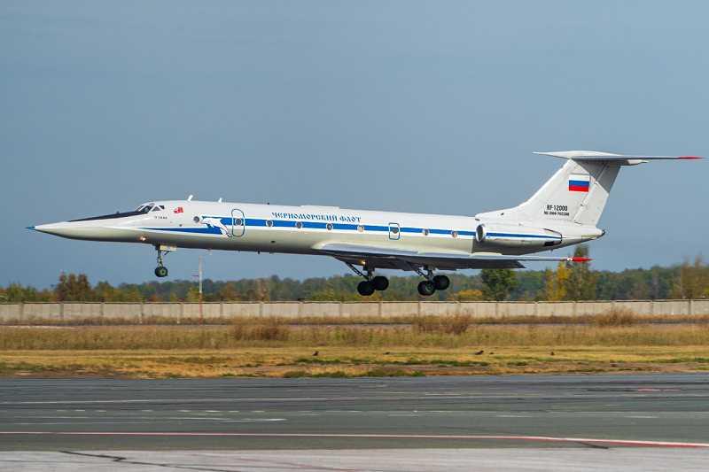 Самолет по прозвищу «Буратино» с дельфином впервые приземлился в Толмачево