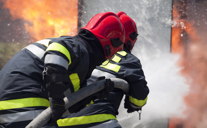 Три квартиры вспыхнули в многоэтажке на Дуси Ковальчук в Новосибирске
