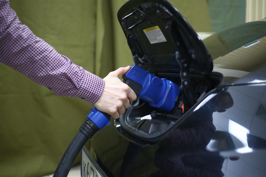 В Новосибирске одобрили поправки в закон о налоговых льготах для электрокаров