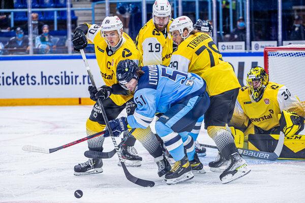 «Сибирь» проиграла «сталеварам» в стартовом домашнем матче КХЛ-2021/22