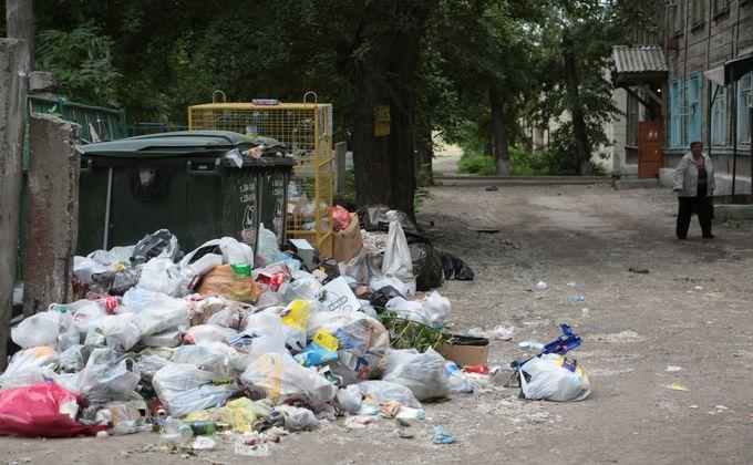 Прокуратура проверила мусорки в центре Новосибирска