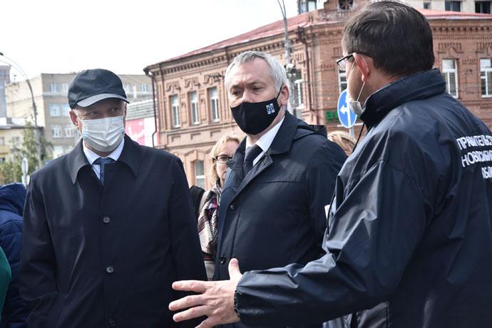 Синхронизировать работу дорожников и коммунальных служб Новосибирска потребовал губернатор Андрей Травников