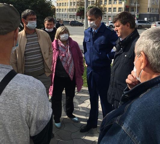 Зампрокурора Новосибирской области встретился с дольщиками домов по ул. Тульская
