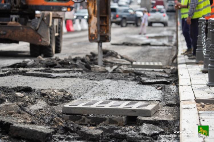 Во Владивостоке продолжается дорожный ремонт