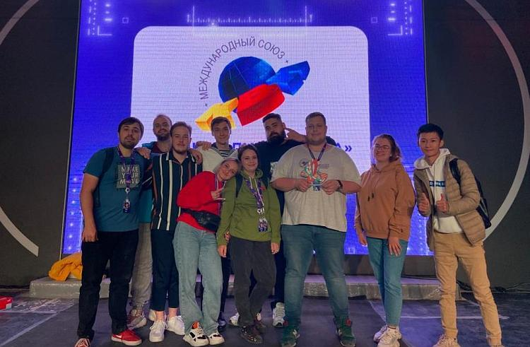 Команду КВН из Владивостока оценили на федеральном и международном уровнях