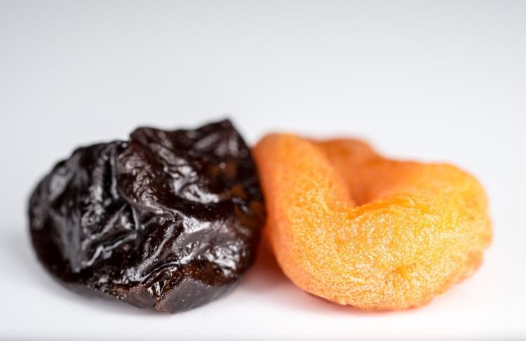 Диетолог назвал особенную пользу чернослива для женщин