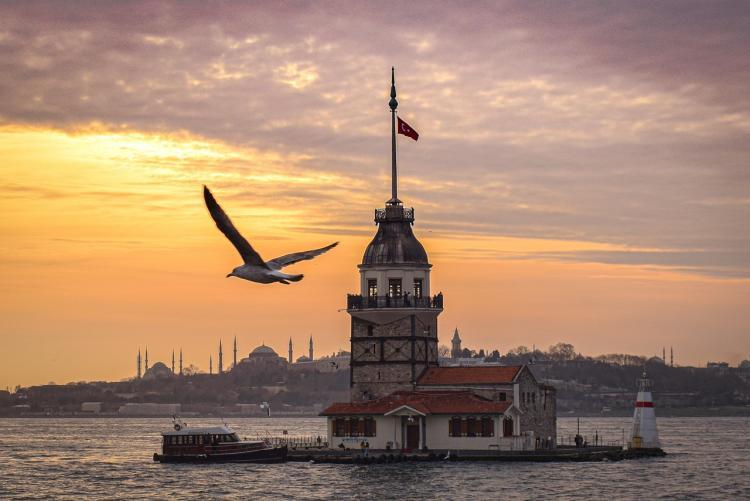 Турция усложнила въезд для привитых двумя видами вакцин россиян