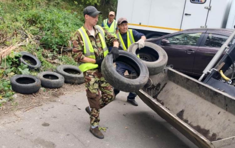 Более 25 тысяч старых автопокрышек передали на переработку