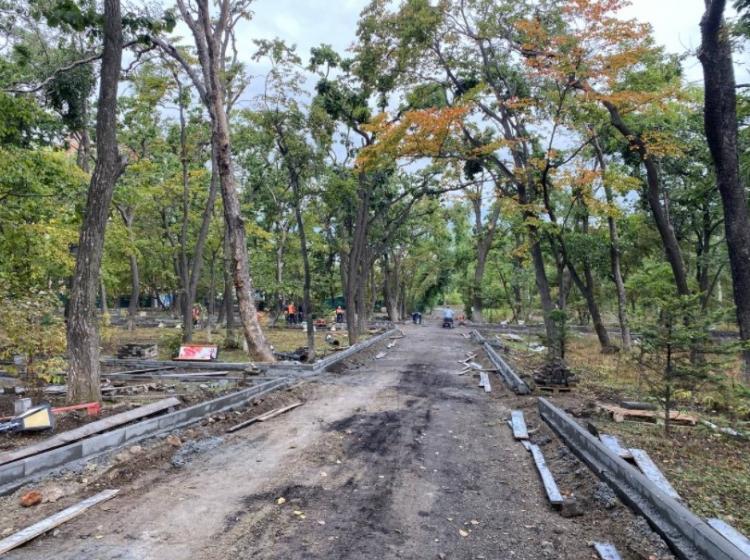 Капитальный ремонт Покровского парка ведется во Владивостоке