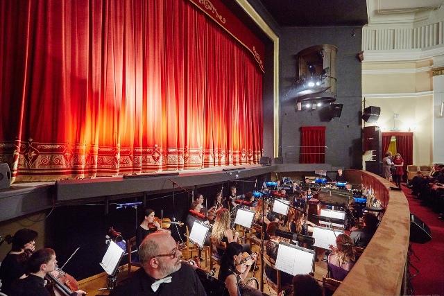 Введение обязательных QR-кодов для посещения спектаклей прокомментировали театры Новосибирска