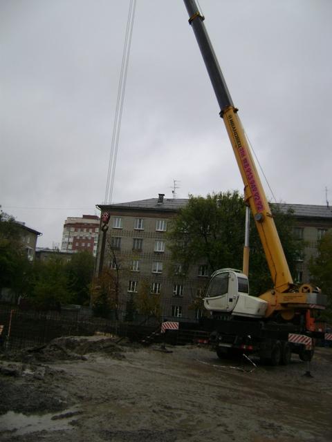 Строители школы №54 в Новосибирске приступили к заливке фундамента