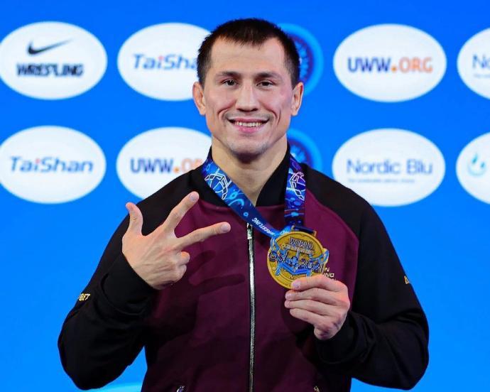 Новосибирский борец Роман Власов в третий раз выиграл чемпионат Мира