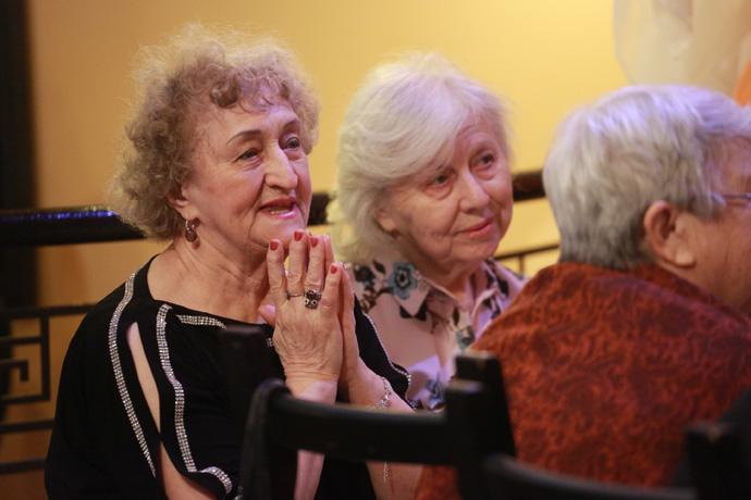 День пожилого человека 1 октября отмечают более 22% новосибирцев
