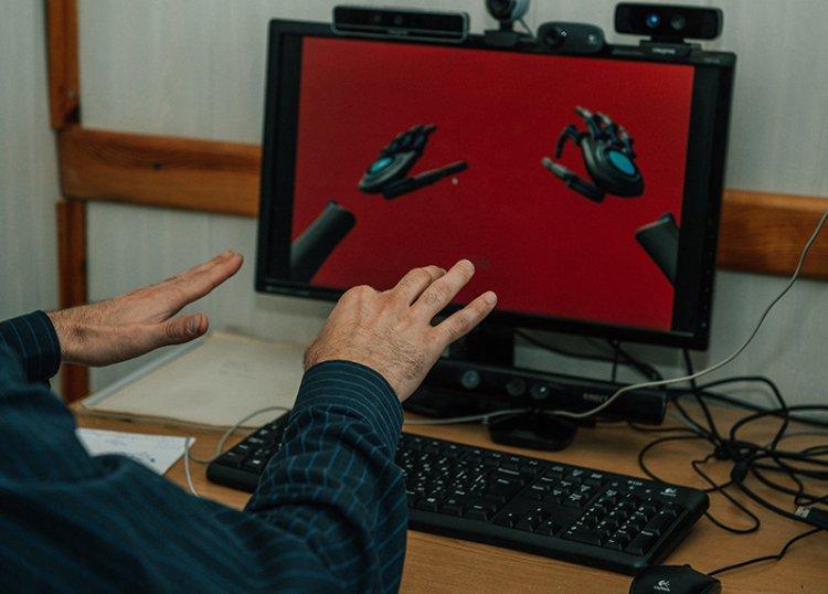 Электронный переводчик с русского жестового языка разработали в Новосибирске