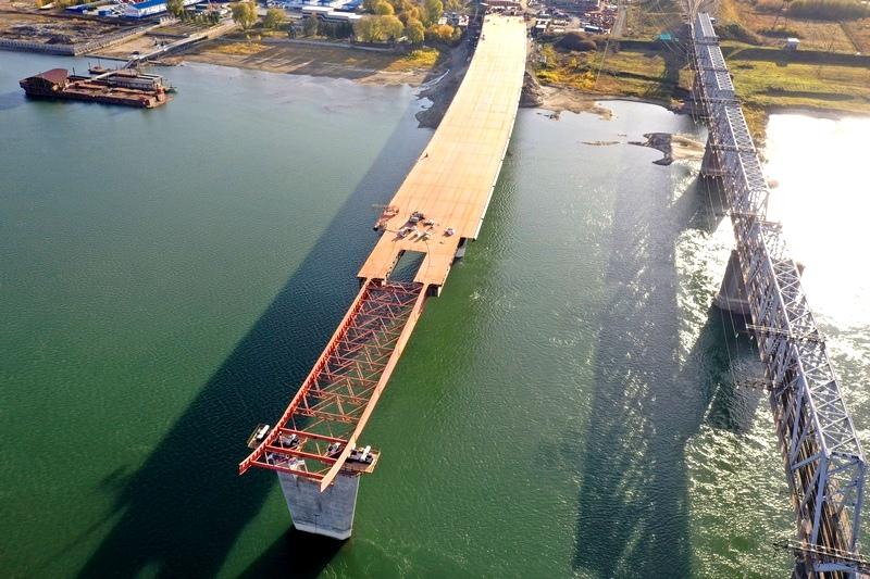 Мостостроители приступили к 10 стадии надвижки Центрального моста
