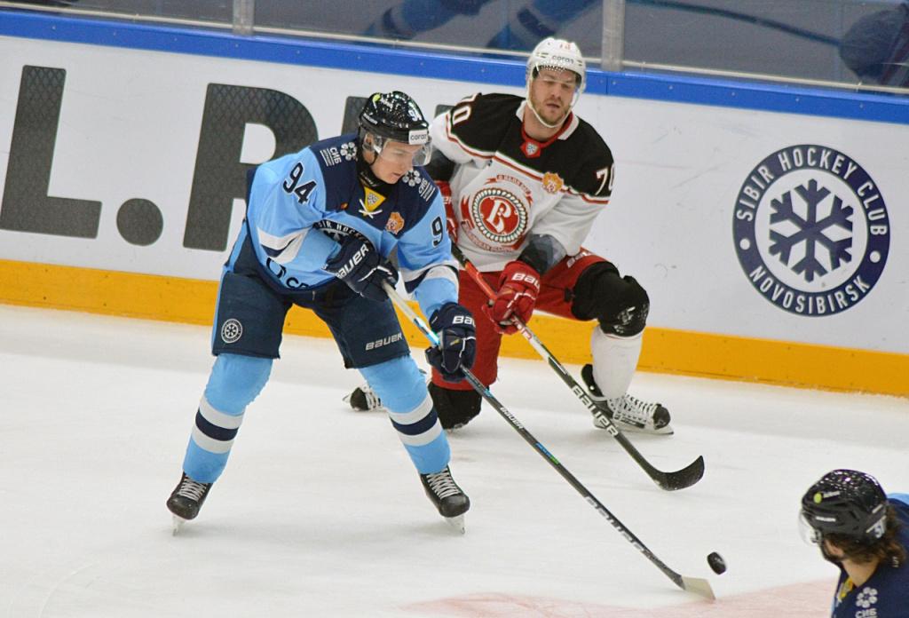 Валидольный матч: «Сибирь» на последних минутах дожала «Витязь»