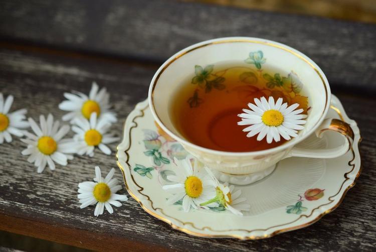 Россиян предупредили о вреде горячего чая при простуде